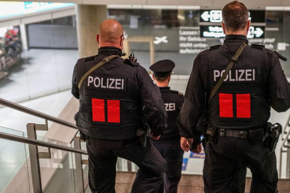 Anschlags-Gefahr in Stuttgart? Unbekannte spionierten Flughafen aus!
