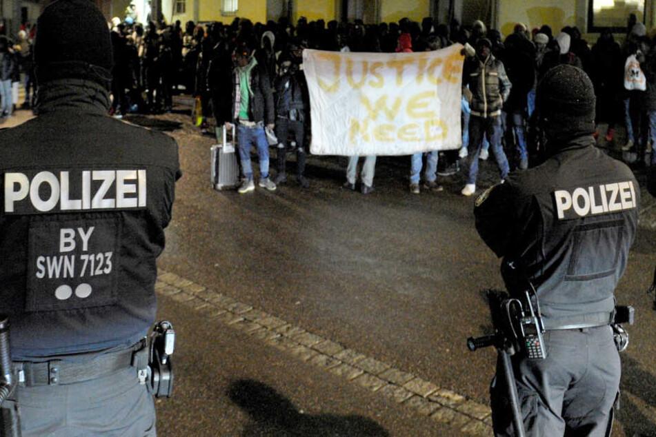 In Donauwörth war es im Rahmen einer geplanten Abschiebung zu Protesten gekommen.