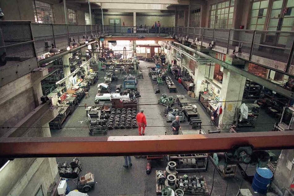 Dunkel, ölig, laut: Jahrzehntelang wurde in der zentralen Werkstatthalle malocht.