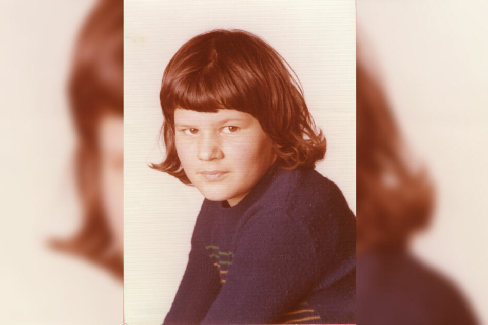 Das Foto zeigt die Schülerin Monika F. aus Flossenbürg im Alter von zwölf Jahren.