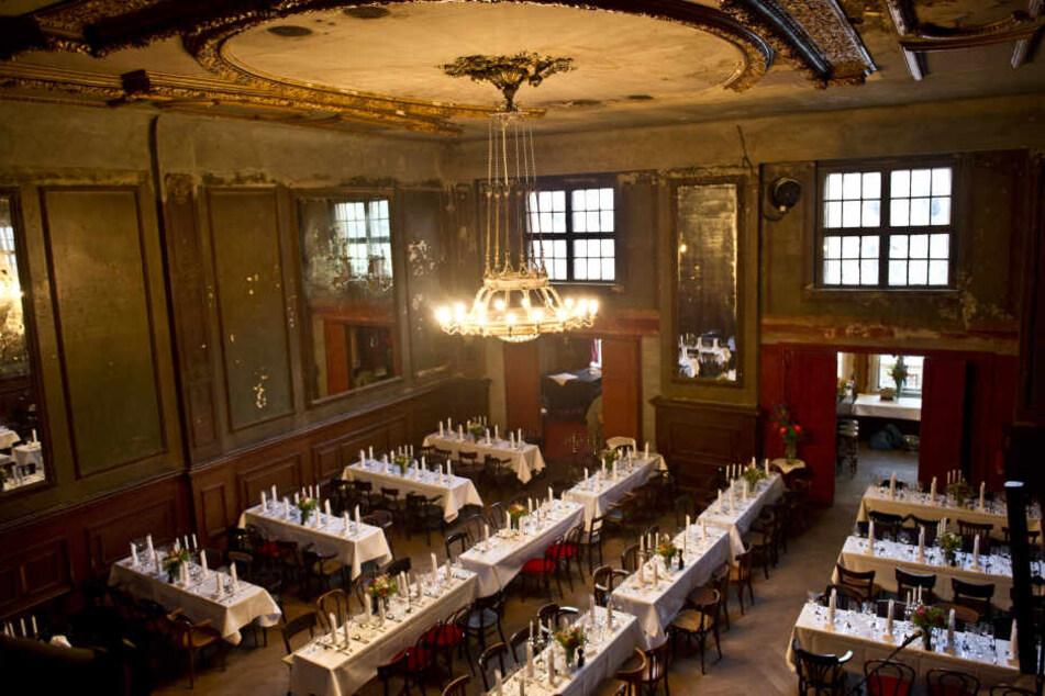 Der historische Spiegelsaal im Clärchens Ballhaus.