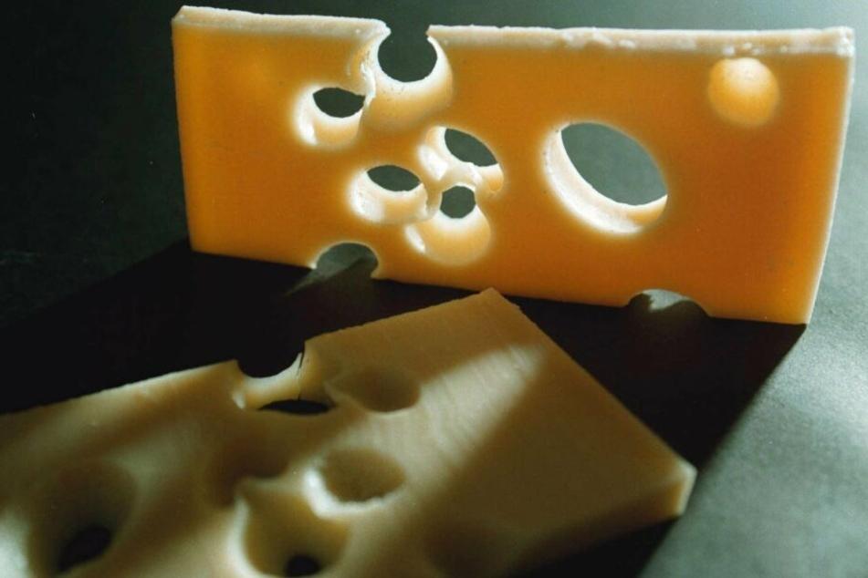 87-Jähriger klaut Käse, der Grund lässt einen staunen