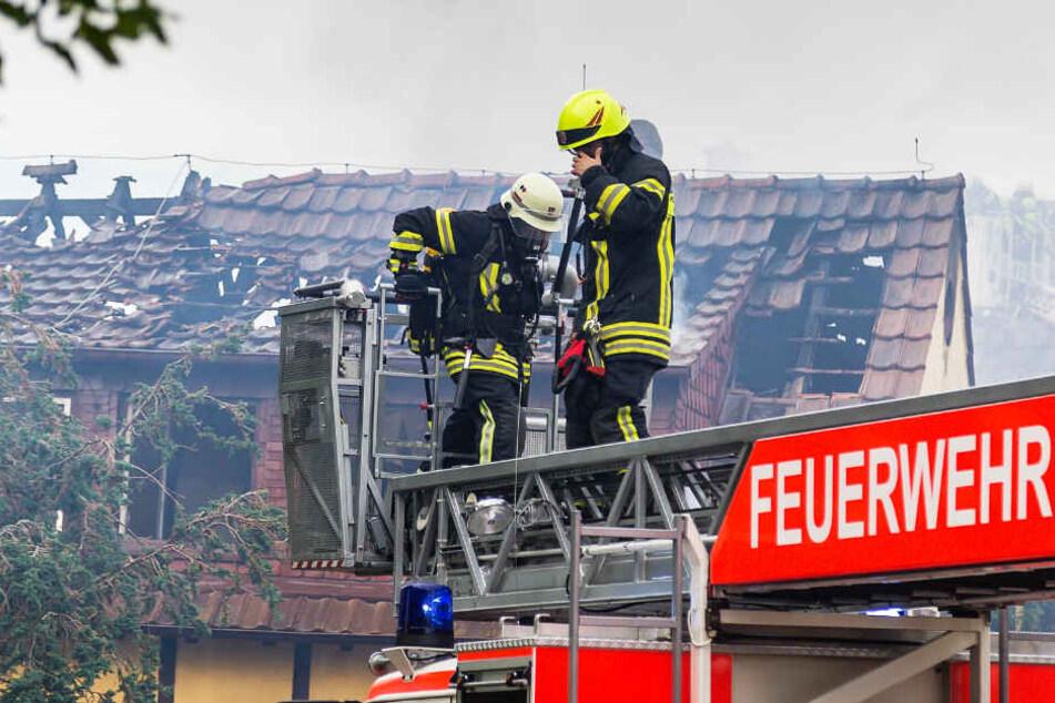 An dem Gebäudekomplex entstand beträchtlicher Schaden.