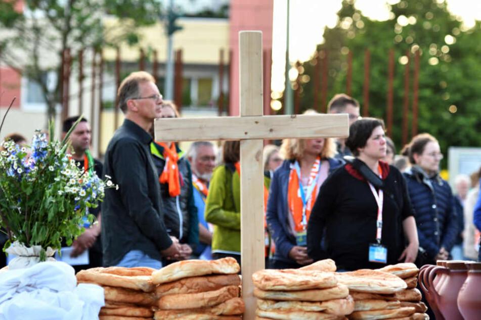 Die Kirchentags-Gäste bevorzugen eher spartanische Unterkünfte oder kommen privat bei Berlinern unter.