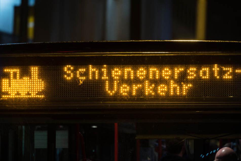 Busse statt Bahnen: Anfang November kommt auf der Strecke Chemnitz - Leipzig und Elsterwerda - Chemnitz zu Schienenersatzverkehr.