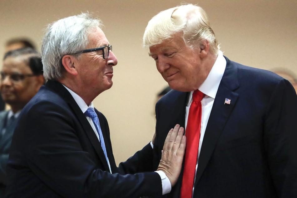 Die Welt wartet gespannt auf das Gespräch zwischen Jean-Claude Juncker (63) und Donald Trump (72).
