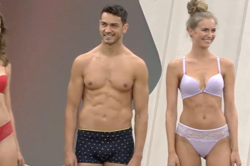 Als sich dann aber auch männliche Models in Unterwäsche präsentierten, merkte man dem Publikum eine gewisse Verwunderung an.
