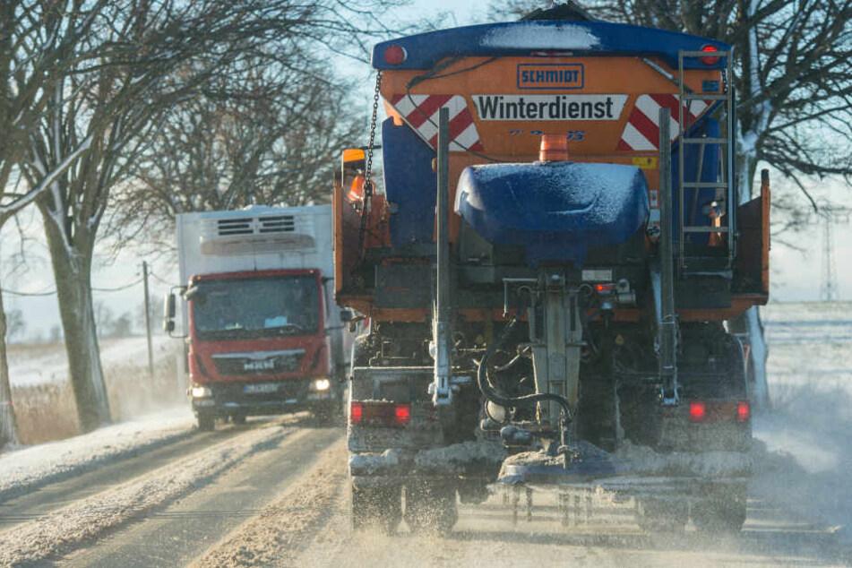 Der Leipziger Winterdienst ist nur für ein Drittel des gesamten innerstädtischen Straßennetzes verantwortlich. (Symbolbild)