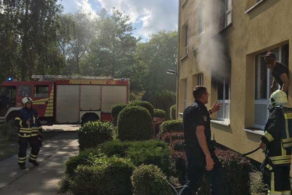 Drei Verletzte bei Brand in Obdachlosenheim