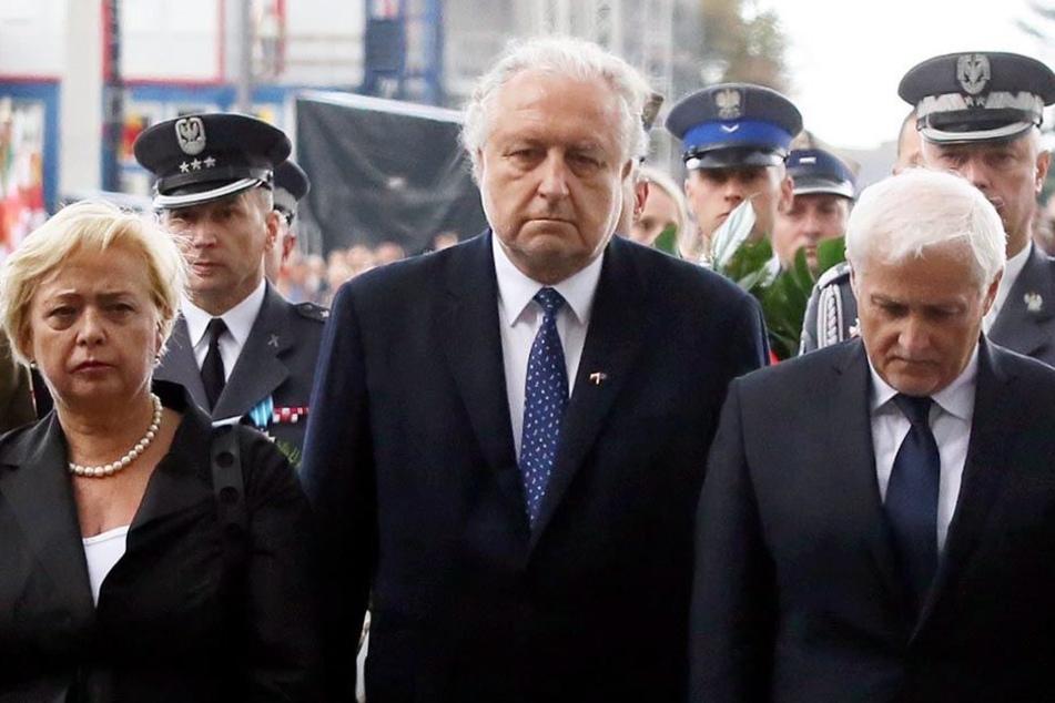 Der zurückgetretene Dariusz Zawistowski (re.),Andrzej Rzeplinski (Mi.), Präsident des Verfassungsgerichts, und Malgorzata Gersdorf (li.), Präsidentin des Obersten Gerichtshofs.