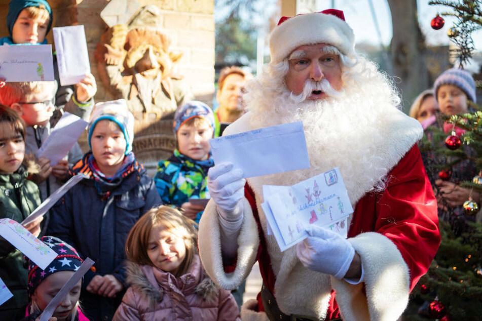 """""""Corona soll weggehen"""": Wunschzettel-Rekord für den Weihnachtsmann"""