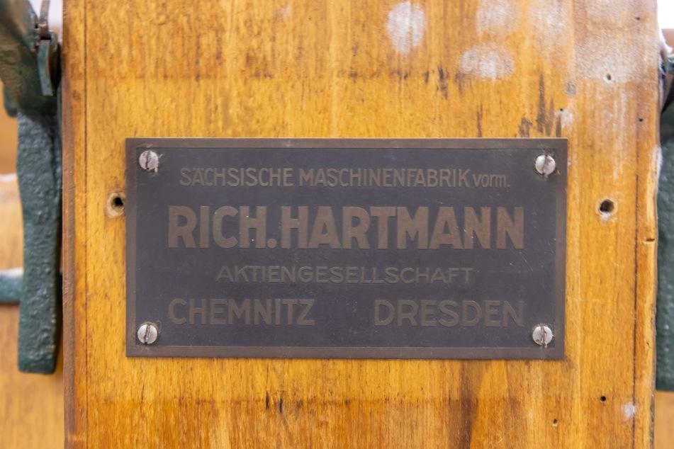 Auch eine Wäschemangel aus der Hartmann-Fabrik versteckt sich in dem vergessenen Raum.