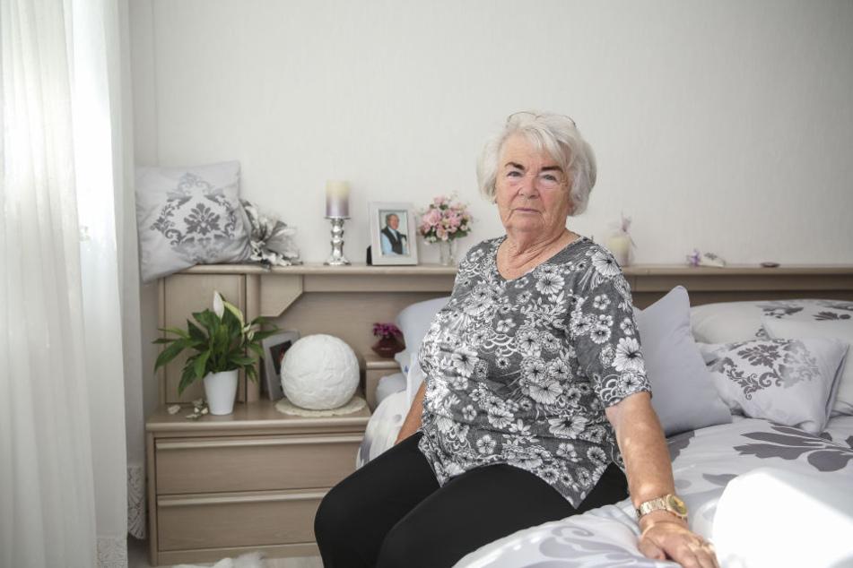 Witwe Christa Heidrich (81) hofft, dass die Aufnahmen ihres verstorbenen Gatten wieder zurückkommen.