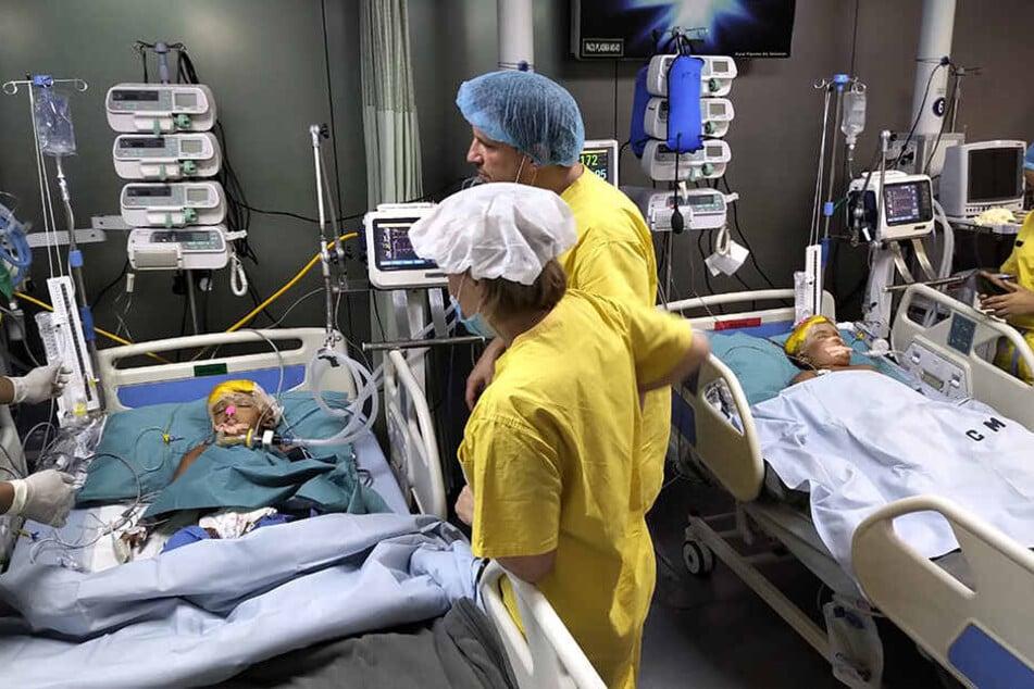 Ungarischen Ärzten ist es gelungen, das siamesische Zwillingspaar Rabeya und Rukaya zu trennen.