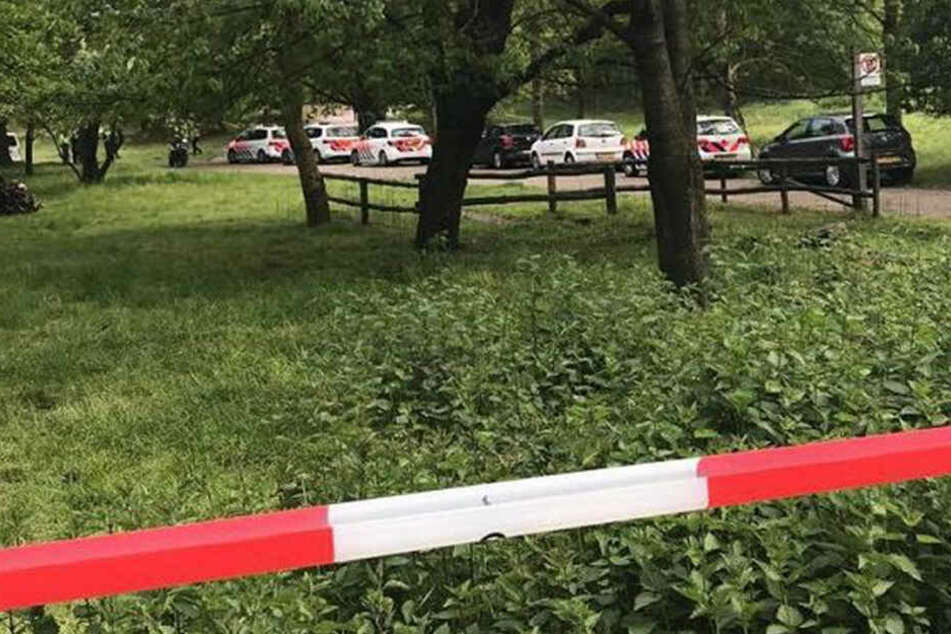 Grausiger Fund an der deutsch-niederländischer Grenze: In einem Naturgebiet sind zwei Leichen entdeckt worden.