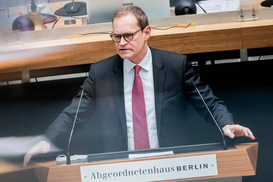 Michael Müller (56, SPD) bei einer Plenarsitzung des Berliner Abgeordnetenhauses. Am Samstag verkündete Berlins Regierender Bürgermeister das Ende aller Pilotprojekte mit Zuschauern.