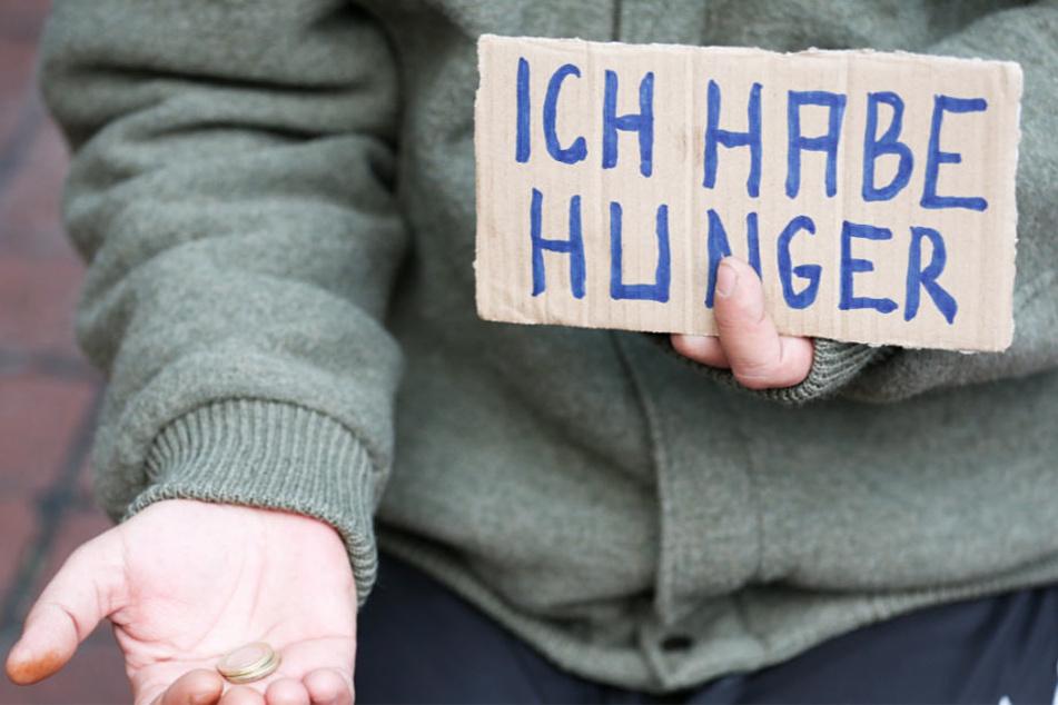 """Die Sorge um das Thema """"Armut"""" treibt viele Menschen in Deutschland um (Symbolbild)."""