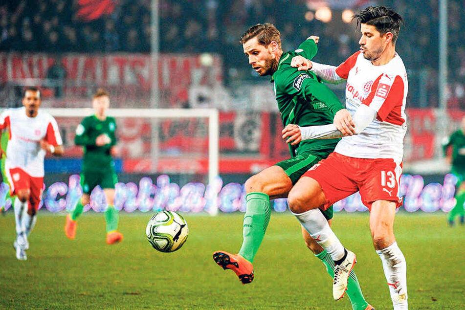 """Nach langer Leidenszeit spielte Justin Eilers (l.) im Februar zweimal für Bremens """"U23"""". Jetzt ist wieder verletzt - tragisch."""