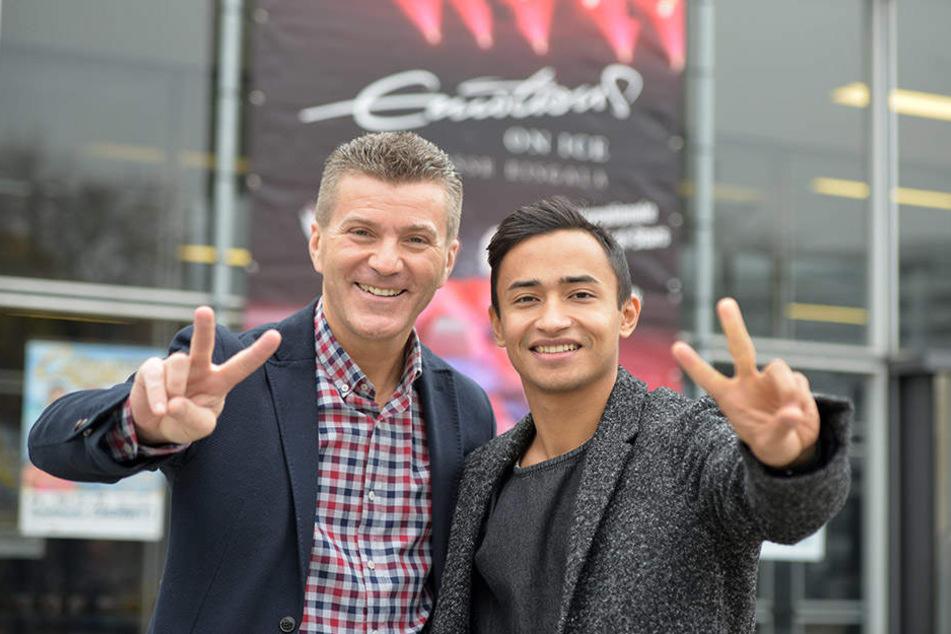 Moderator Daniel Weiss (49) und der französische Eiskunstläufer Florent Amodio (27, v.l.) freuen sich auf die Eislauf-Gala.