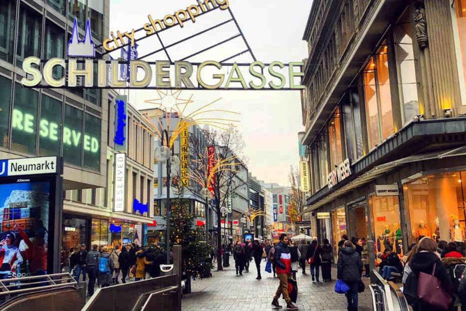 Besonders während der Weihnachtszeit ist die Kölner Innenstadt ein beliebtes Reiseziel für Touristen.