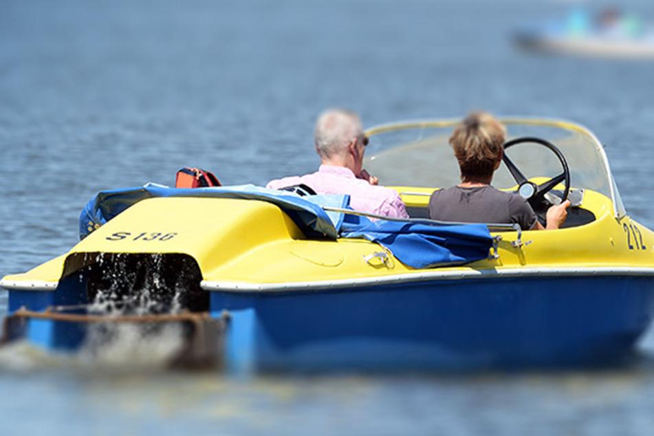 Wahrscheinlich rettete das Paar im Motorboot durch die schnelle Bergung ans Kai dem Mann damit das Leben. (Symbolbild)