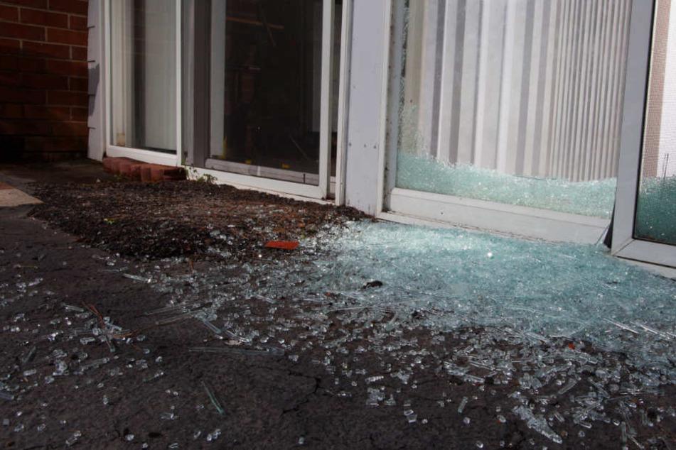 Der Installateur hat nicht gesehen, dass die Glastür geschlossen war. (Symbolbild)