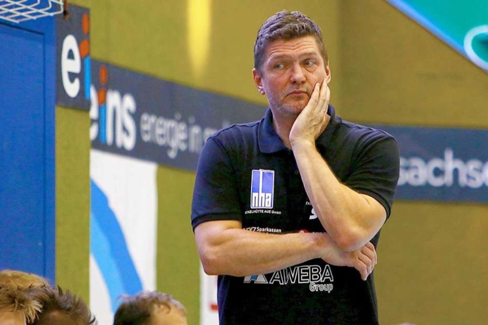 Maik Handschke ist seinen Trainerposten beim EHV Aue los.