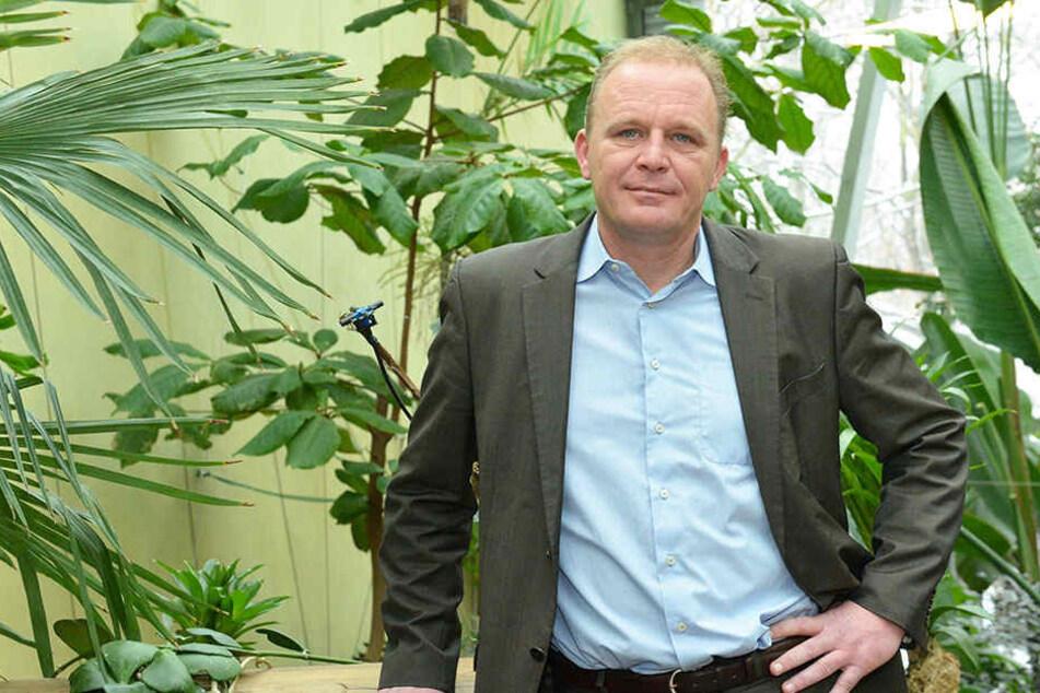 """Zoochef Karl-Heinz Ukena (46) setzt auf regionale Anbieter, beim Thema """"Eis""""  aber auf das wirtschaftlichste Angebot"""