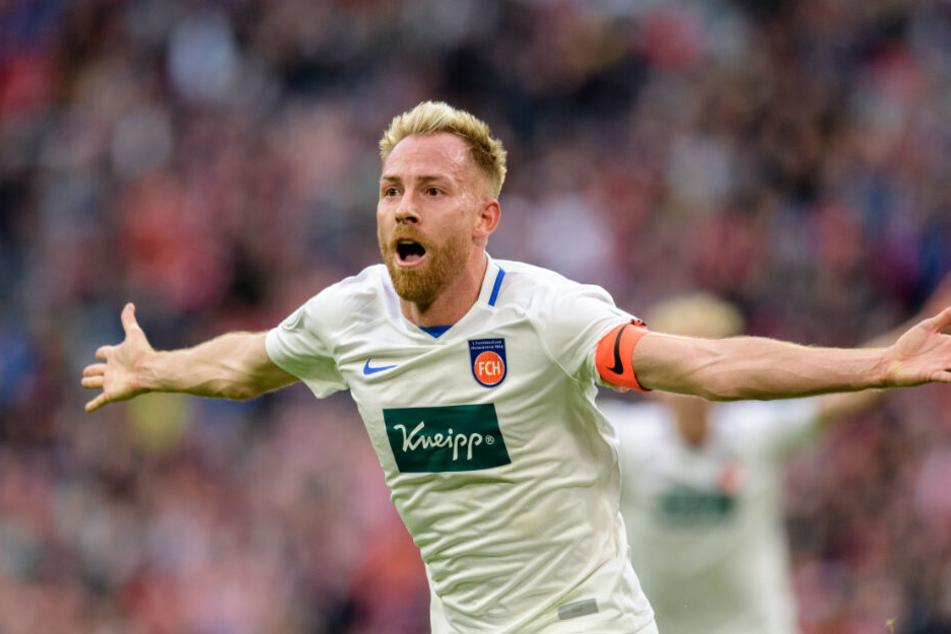 Marc Schnatterer jubelt bei seinem Treffer zum 2:1 gegen die Bayern.