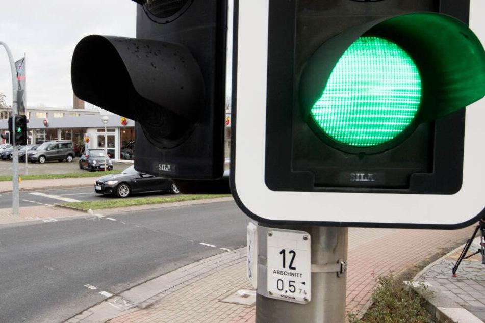 Viele Ampeln im Bielefelder Stadtgebiet werden ab Montag gewartet. (Symbolbild)