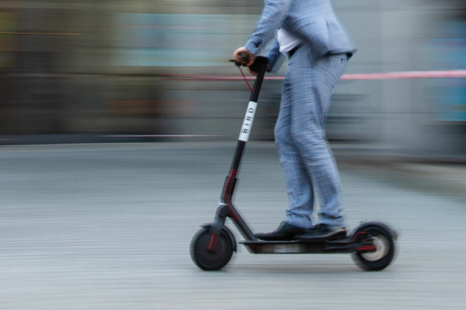 Hamburg: Behörden ziehen Bilanz: Wie sinnvoll sind E-Scooter wirklich?