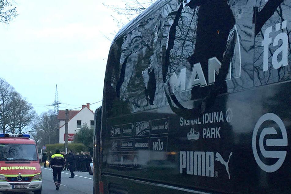 Auf den Mannschaftsbus vom BVB wurde am Dienstagabend ein Anschlag verübt.