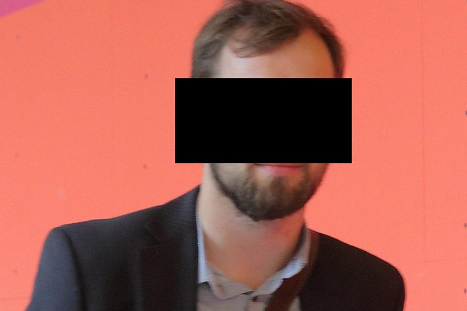 """Jakob W. (28) soll Polizisten als """"Lutscher"""" bezeichnet haben. Ein Fall von Beamtenbeleidigung."""