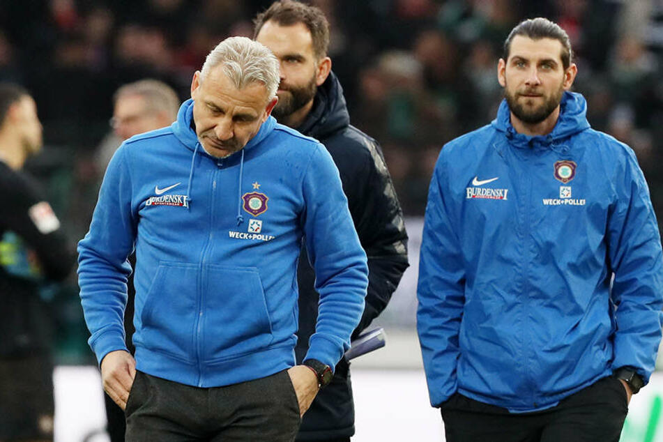 Ins Jahr 2017 starteten Aue und Robin Lenk (r.) noch unter Pavel Dotchev. Dieser trat nach dem 1:4 gegen Dresden am 28. Februar zurück.