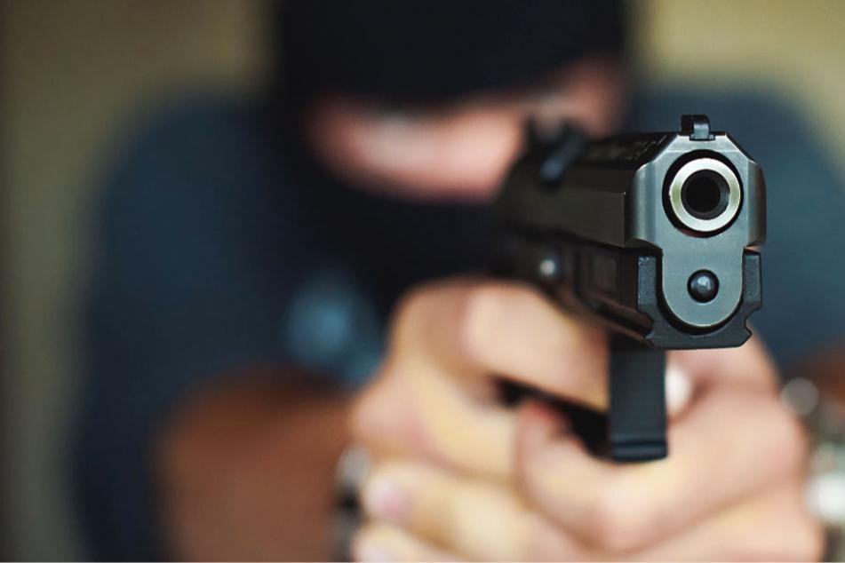Fahndung nach bewaffneten Räubern in Frankfurt
