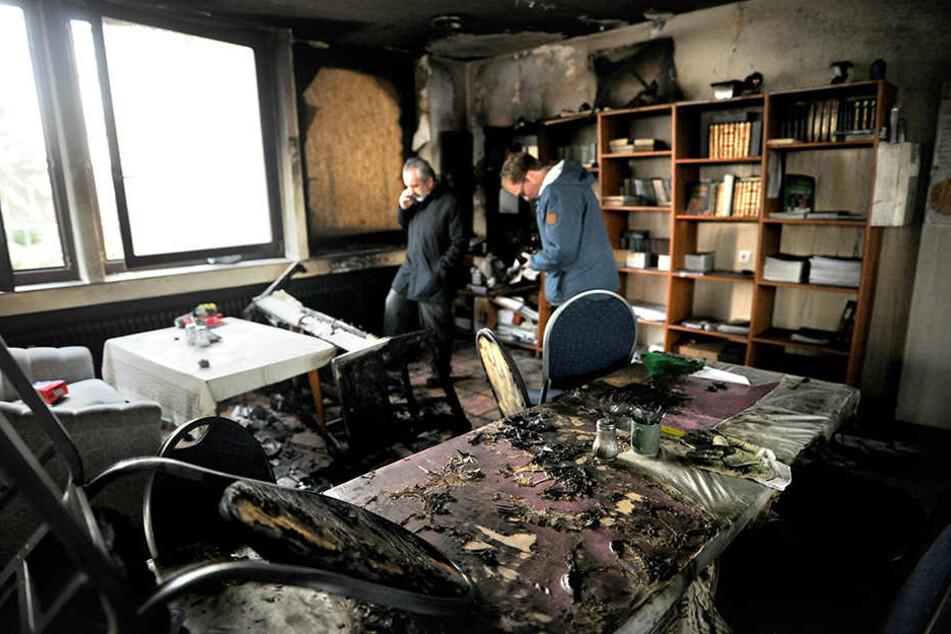Die Räumlichkeiten sind nicht mehr nutzbar. Alles ist verbrannt.
