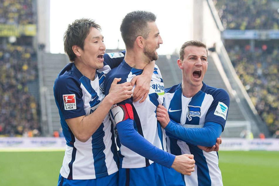 DIe Hertha um Stürmer Vedad Ibisevic konnte in der abgeaufenen Saison oft jubeln. Jetzt ruft Europa.