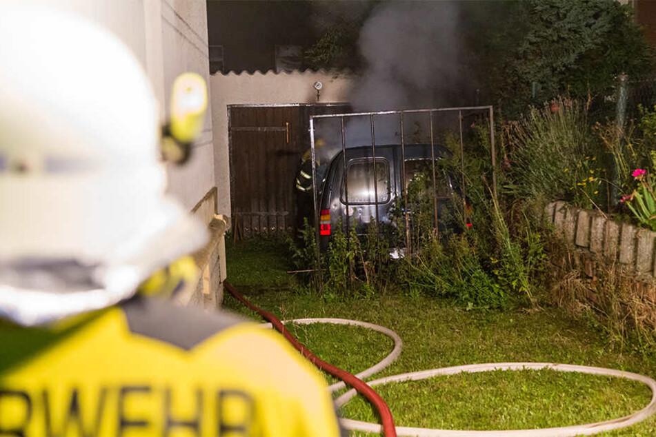 Der Ford wurde bei dem Feuer komplett zerstört.