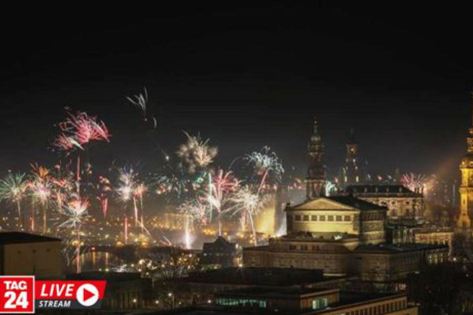 Dresden: Silvester live in Dresden: So habt Ihr das Feuerwerk über der Stadt noch nie gesehen