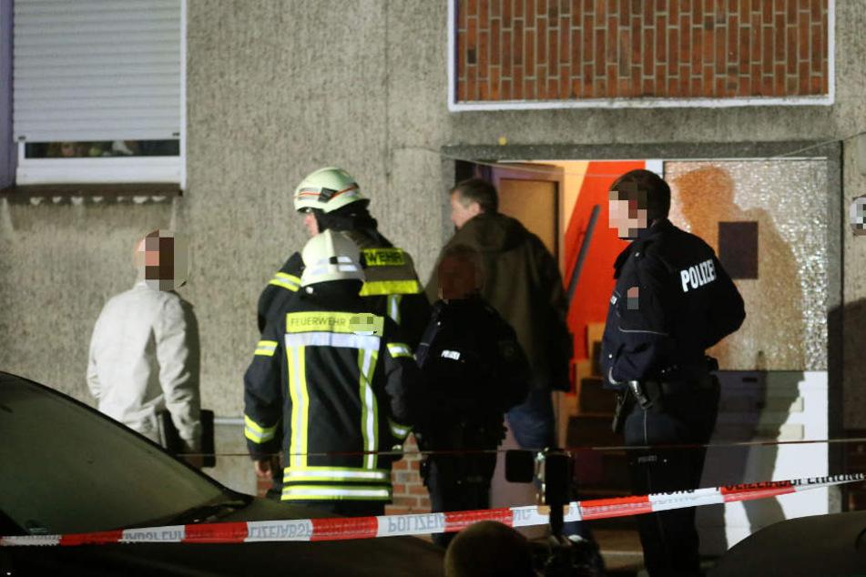 Feuerteufel setzt Kinderwagen in Leipziger Treppenhaus in Brand