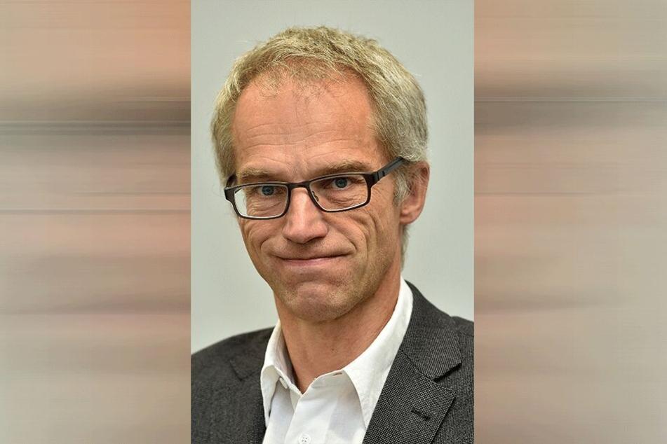 Der Leiter des Schulverwaltungsamts Falk Schmidtgen (†54) fuhr die Strecke fast täglich mit dem Rad.