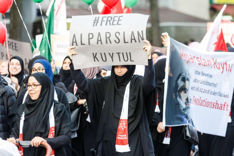 Frauen der Furkan-Gemeinschaft liefen bei der Demonstration im vergangenen Jahr als gemeinsamer Block.