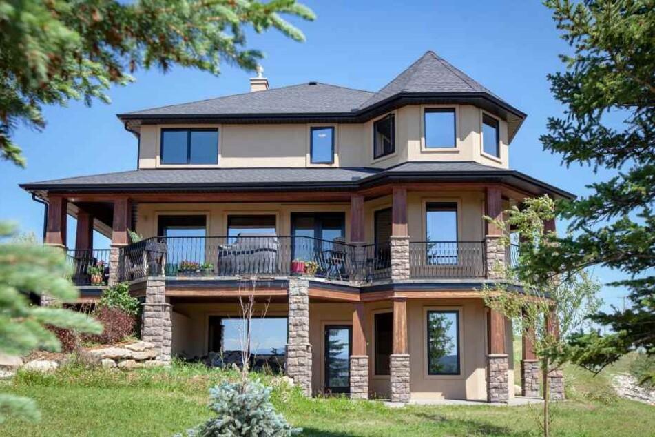 Wahnsinn! Diese wunderschöne Villa will Alla Wagner verlosen.