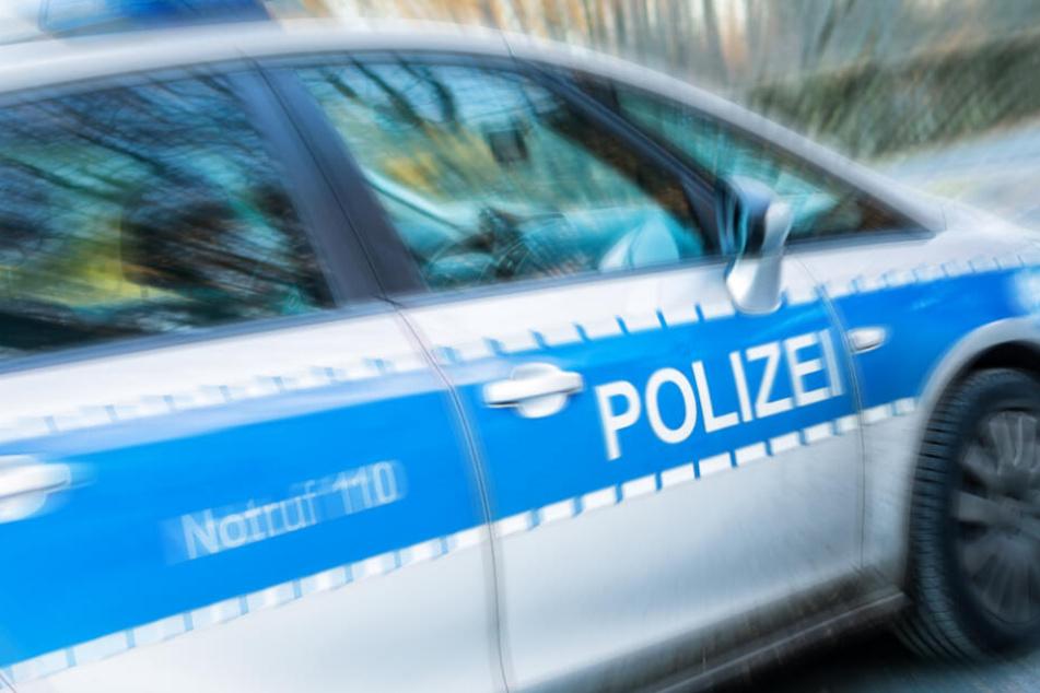 Die Polizeibeamten leisteten bis zum Eintreffen eines alarmierten Rettungswagens erste Hilfe. (Symbolbild)