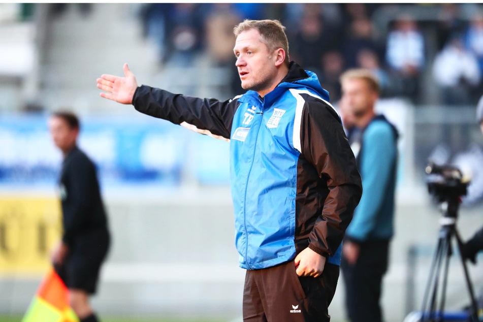 Führen seine Anweisungen zum Sieg des krassen Außenseiters? BFV-Coach Erik Schmidt (41) und sein Team sind hochmotiviert.