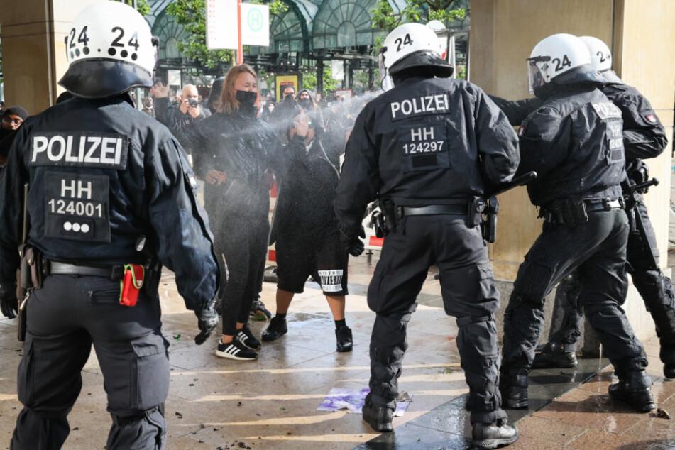 Ermittlungen und Strafen: So steht es um Polizeigewalt in Hamburg