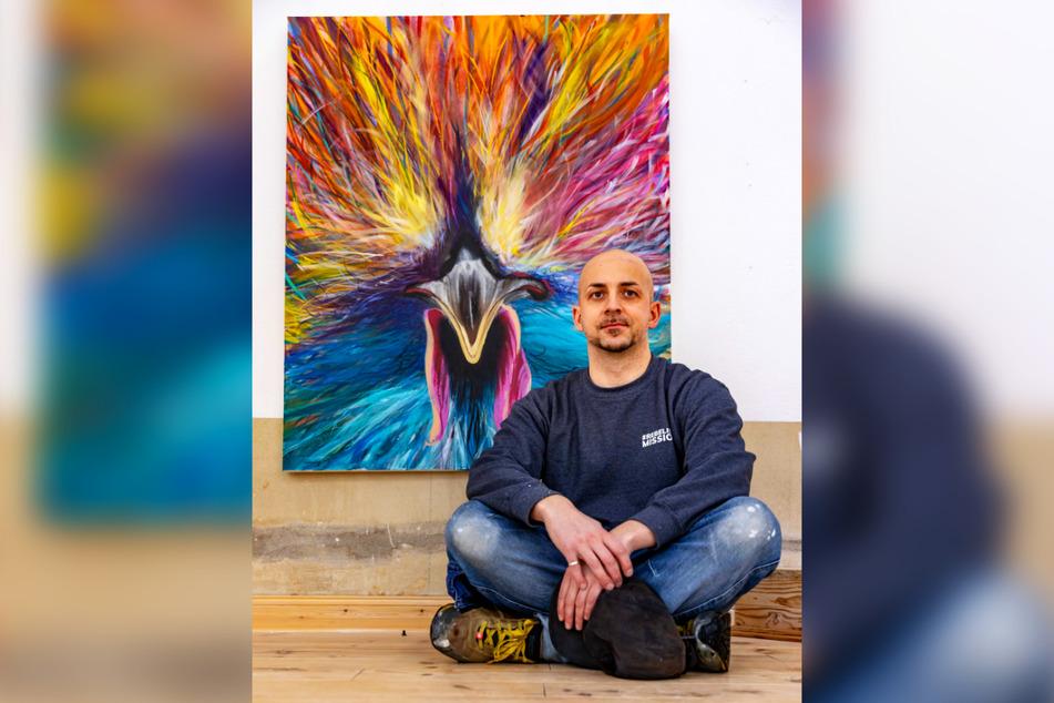 """Künstler Alexander Mehlhorn hat für die Ausstellung das Bild """"Schau mir in die Augen"""" gemalt."""