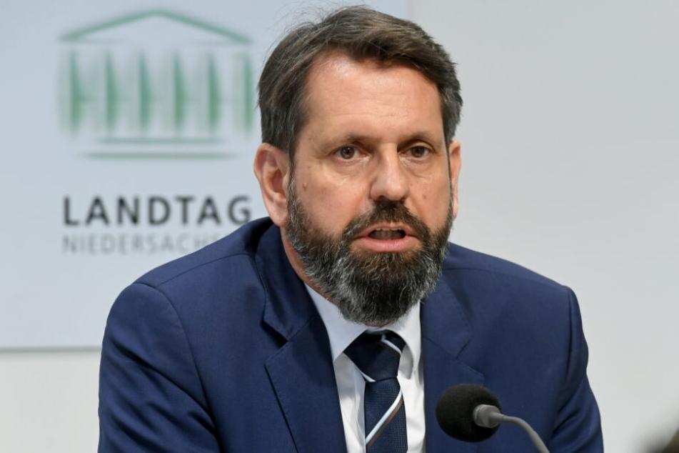 Olaf Lies (SPD), Minister für Umwelt, Energie, Bauen und Klimaschutz in Niedersachsen, beklagt Störungen beim Abschuss des Wolfes.