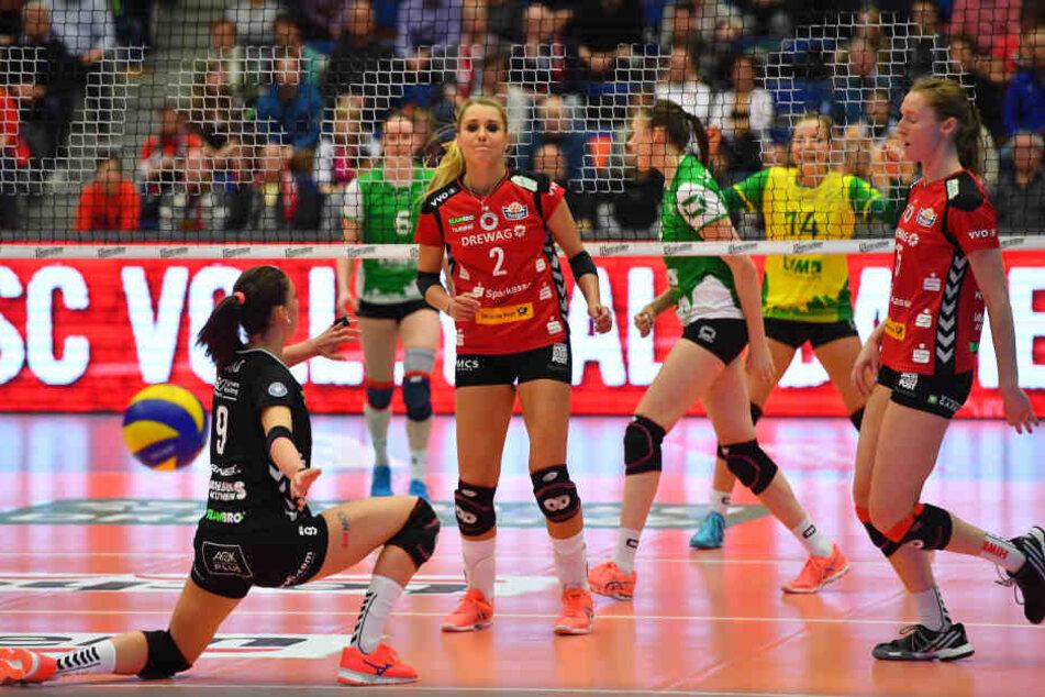 Gerade in Heimspielen wie gegen Münster (v.l.) Myrthe Schoot, Mareen Apitz, Kadie Rolfzen & Co. lautstarke Unterstützung von den Rängen.