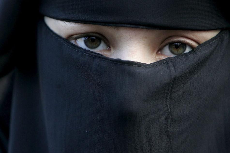 Ausreise und Teilnahme am Dschihad sind laut Studie bewusste Entscheidungen der Frauen gewesen. (Symbolbild)